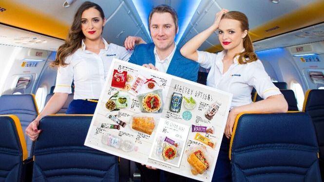Ryanair lanza su nuevo menú a bordo