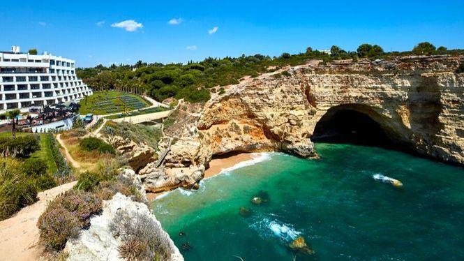 Nueva ruta por los acantilados del Algarve: una apuesta por el turismo activo