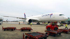 El avión A350 XWB de LATAM Airlines aterriza por primera vez en Barcelona