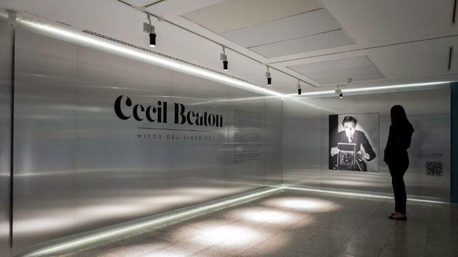 Cecil Beaton, el fotógrafo de la fama, en la Fundación Canal