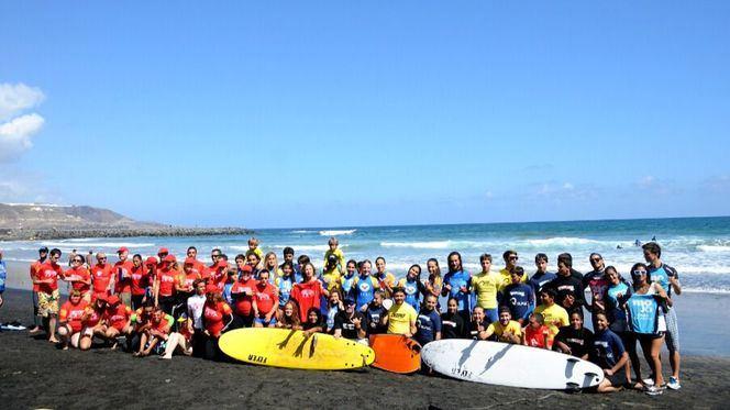 Las Palmas de Gran Canaria celebra el Día Mundial del Surf en la playa de Las Canteras