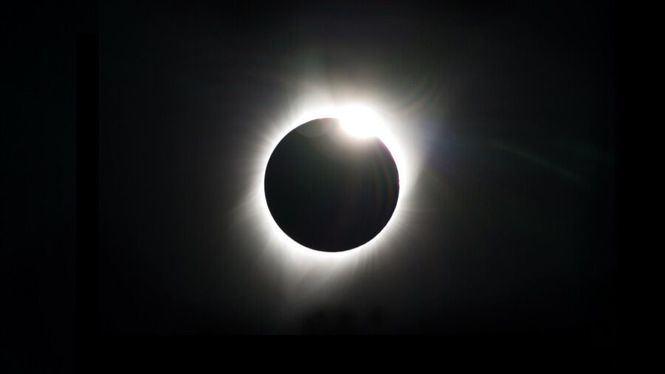 Destinos para ver los próximos eclipses solares y lunares