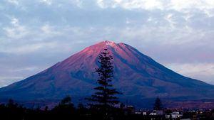 Volcán Misti y ciudad de Arequipa