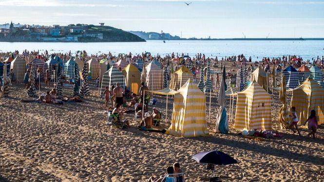 El verano arranca en Gijón con un nuevo record de turistas