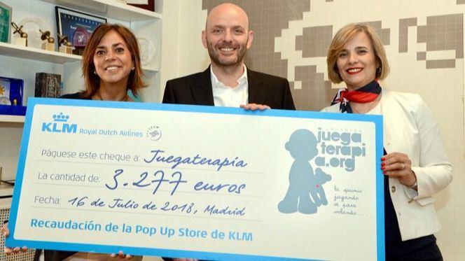 KLM entrega a la Fundación Juegaterapia la recaudación de las ventas de su Pop Up Store