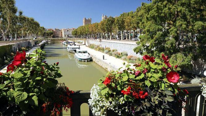 Narbona, turismo fluvial en el Canal de la Robine