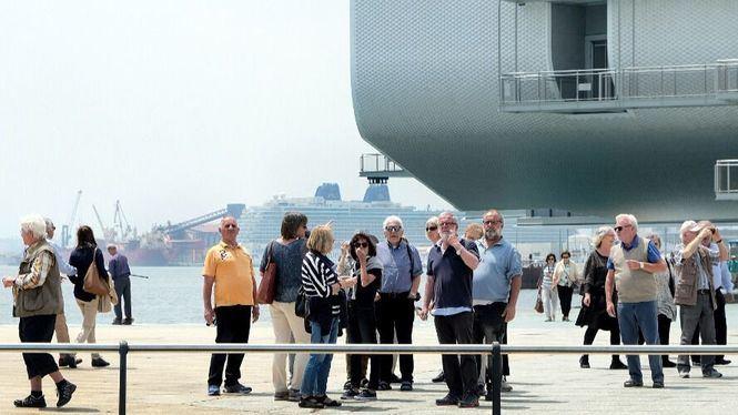 Las oficinas turísticas de Santander atendieron a más de 30.000 viajeros en julio