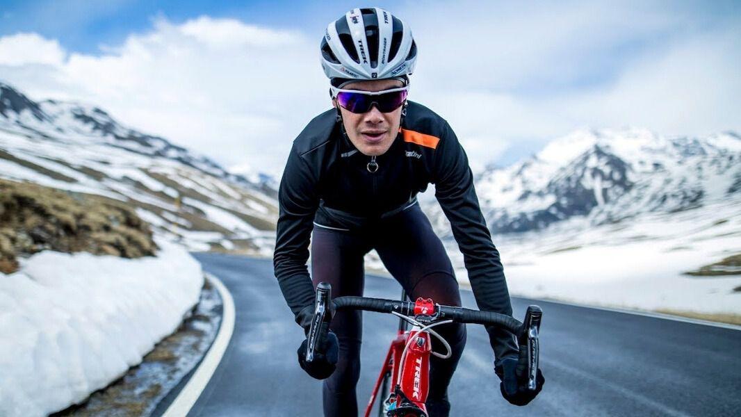 Santini Vega Extreme Jacket la chaqueta para sentirse para un ciclista profesional | Inout Viajes