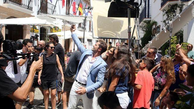 Enorme proyección de la imagen de Marbella con el último videoclip de David Bisbal