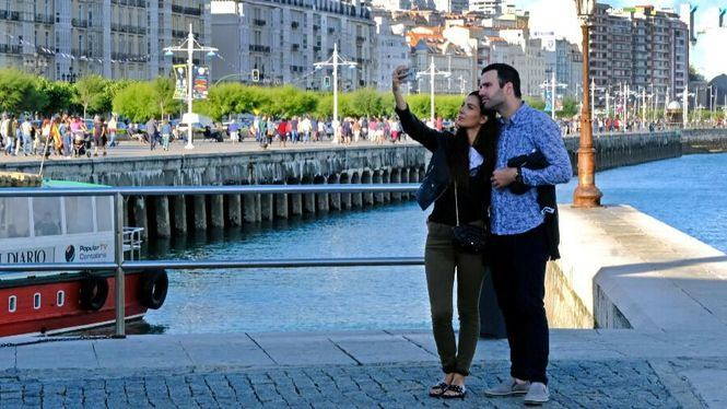 Santander cierra el puente con ocupaciones entre el 80 y 90 %