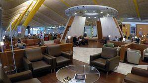 Iberia estrena su Premium Lounge Dalí en la T4 del aeropuerto de Madrid