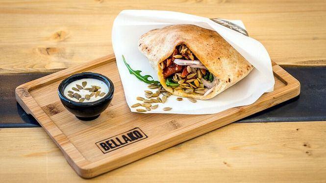 Cómo comer un kebab: en plato, enrollado o en pan de pita