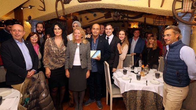 La alcaldesa asiste al homenaje al empresario hostelero Juan Lozano