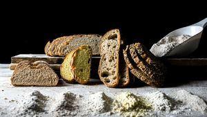 Surtido de panes con diferentes harina