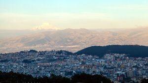 Quito y Cádiz firman su hermanamiento y afianzan relaciones