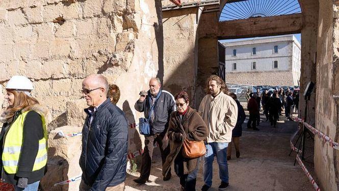 Las excavaciones del Anfiteatro Romano de Cartagena reciben sus primeros visitantes