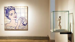 Izquierda, Roy Lichtenstein, Mujer en el baño 1963 - Derecha, Afrodita, Asia Menor, 200-150 a. C.