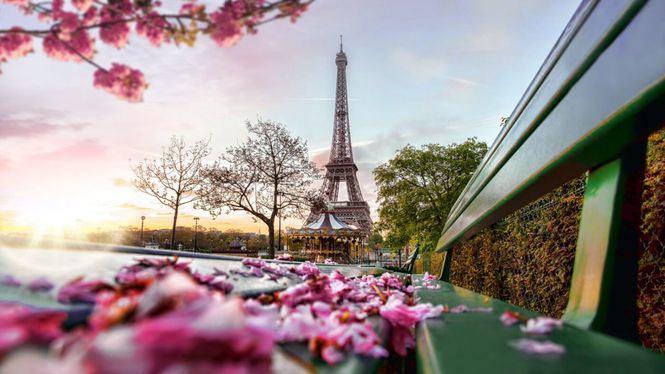 El 56% de los españoles ha conocido al amor de su vida durante un viaje