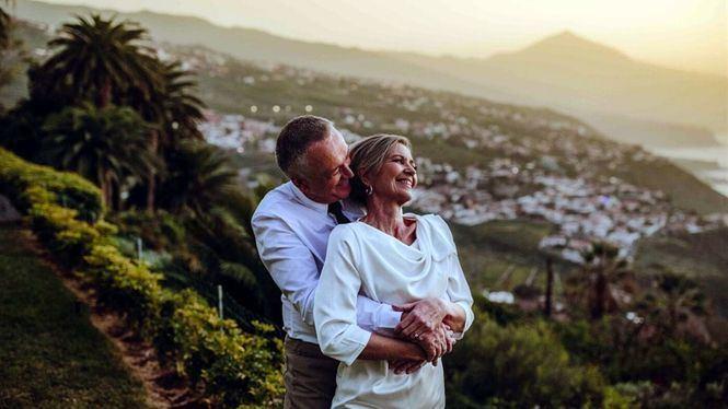 Canarias, renueva su material promocional de bodas y viajes románticos