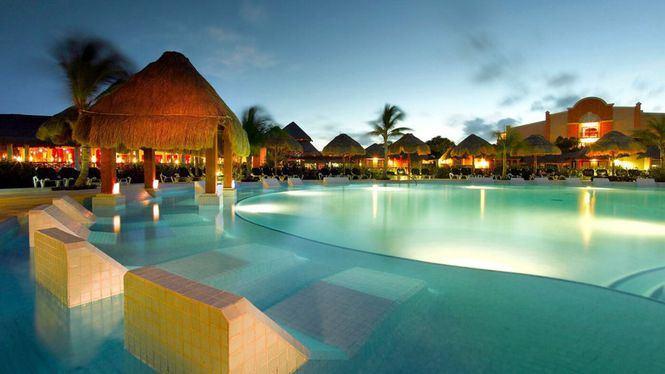 Palladium Hotel Group inaugura dos resorts en México con la presencia de Rafa Nadal y Abel Matutes