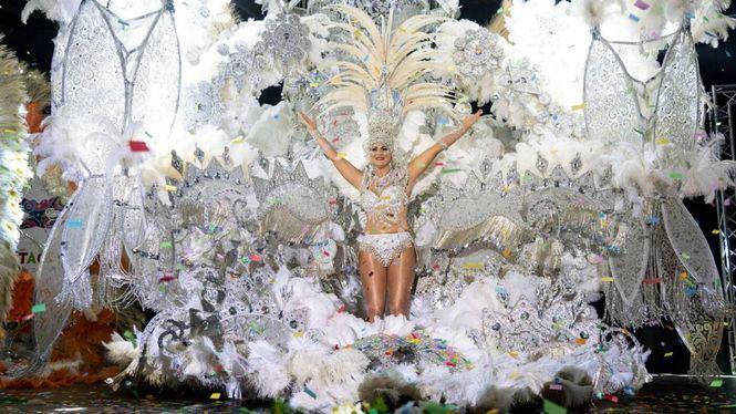 Arranca el Carnaval en Cartagena entre máscaras, disfraces y mucho humor