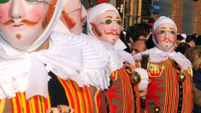 Los Gilles, protagonistas de uno de los carnavales más curiosos de Europa