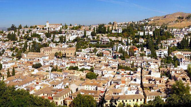 Semana Santa en Granada Albaicín, Sierra Nevada…