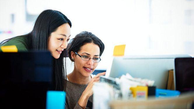 La industria de la tecnología no prioriza la diversidad de género, según un estudio de Booking