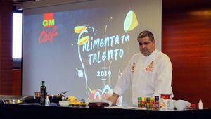 El chef Erlantz Gorostiza imparte una clase magistral en Hecansa