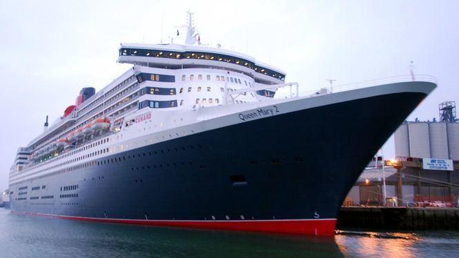 El Queen Mary 2 hace escala en Barcelona durante su vuelta al mundo