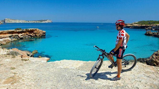 Abril en Ibiza, un calendario marcado por el deporte