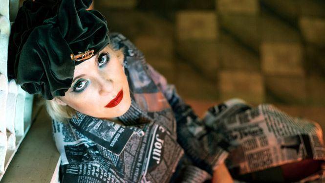 Pía Tedesco, cabaret, música y mucho humor…
