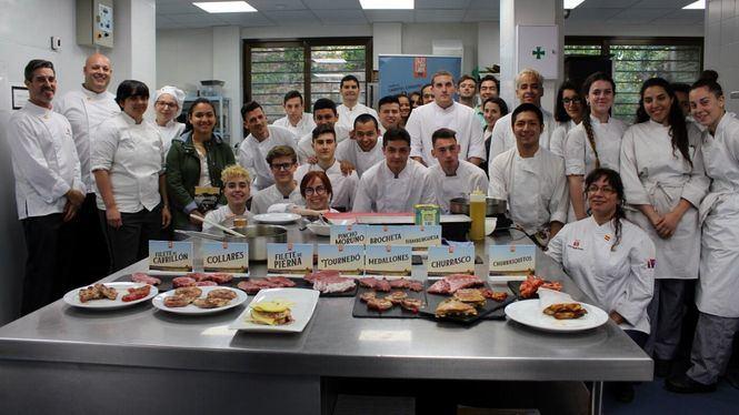 Clase magistral de Javier Robles a los alumnos del I.E.S. Hotel Escuela de Madrid
