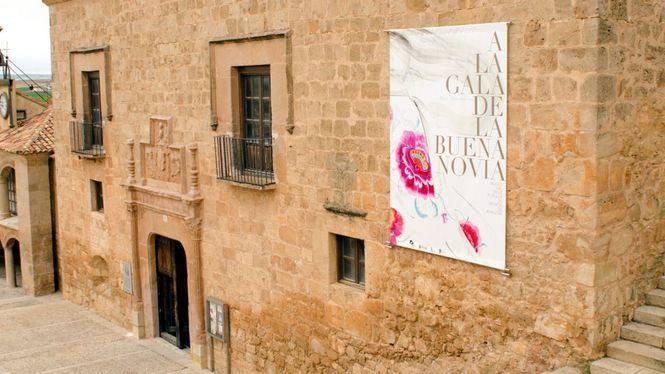 A la Gala de la Buena Novia, exposición que repasa la moda nupcial desde el siglo XVIII