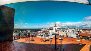 El Hotel Indigo Madrid presenta su mural Oda al creado por el colectivo artístico Chisme
