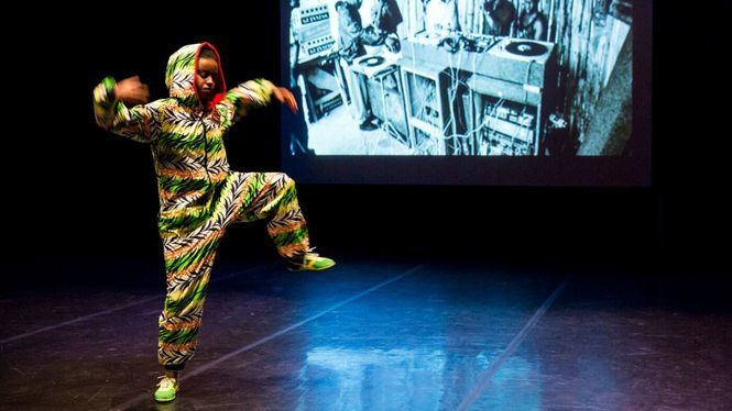 La bailarina Ana Pi recorre danzas urbanas a través de una conferencia bailada