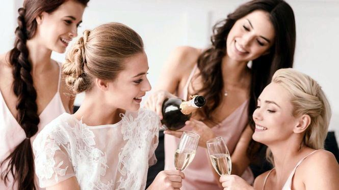 Ideas para novias en pestañas, cabello y uñas