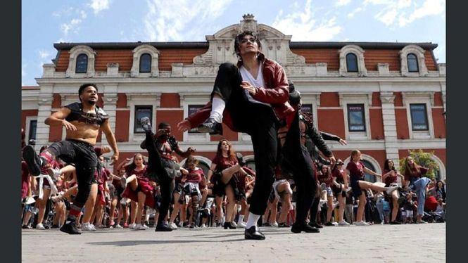 El elenco de Forever vuelve a Madrid rindiendo un homenaje a Michael Jackson