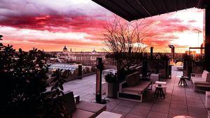 Terraza con vistas al cielo de Madrid