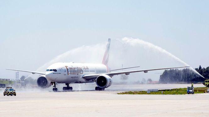Emirates inauguró su nuevo servicio a Oporto