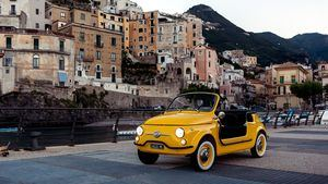 Disfruta este verano, con Hertz, al volante de un Fiat 500 Jolly Spiaggina Icon-e
