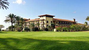 Vacaciones con una dosis de paz interior, a través del yoga y la meditación, en Elba Palace Golf