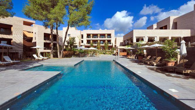 Diferentes tipos piscinas de los alojamientos Vincci