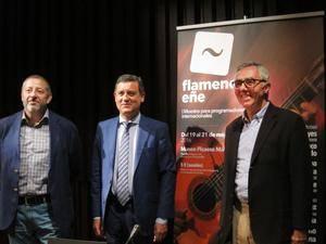 (de izquierda a derecha): Manuel Aguilar, presidente de la Fundación SGAE,Eduardo Tamarit, secretario general de Cultura de la Consejería de Cultura de la Junta de Andalucía yJosé Lebrero, director artístico del Museo Picasso Málaga