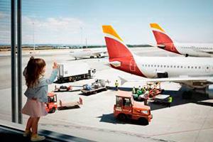 El Grupo Iberia transporta más de dos millones de pasajeros en agosto, un 15,6 por ciento más que en 2014