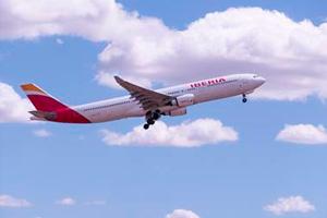 Iberia, la tercera línea aérea más puntual del mundo en 2014