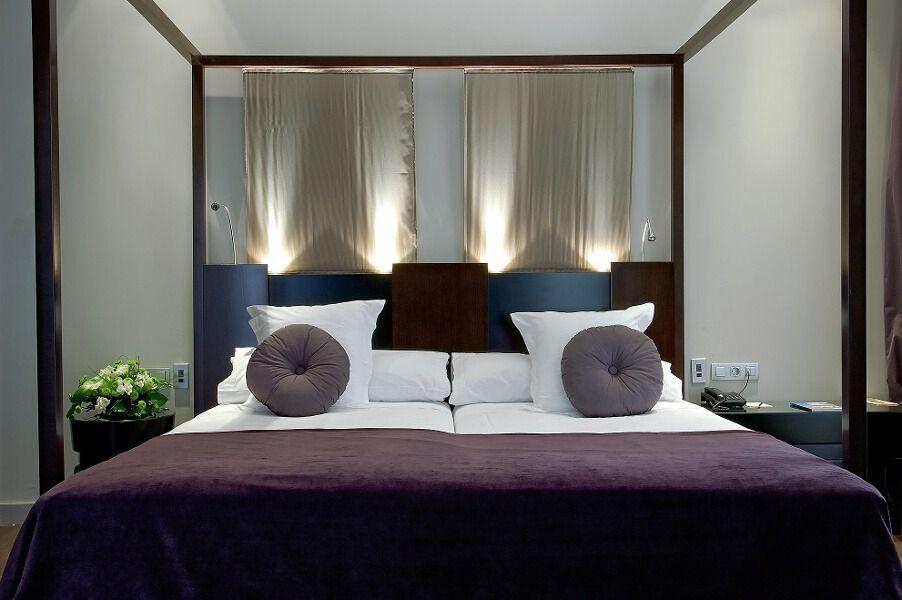 Vincci palace un hotel repleto de historia cumple su 10 for Descripcion de habitaciones de un hotel