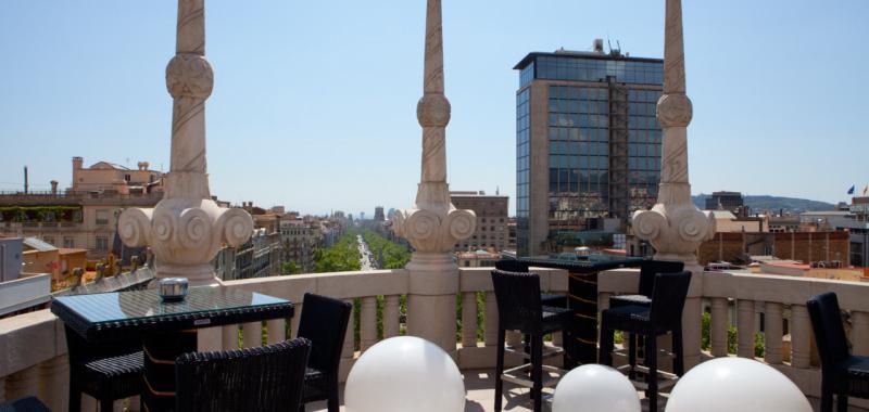 Vuelven las terrazas y piscinas de hoteles center el for Terraza casa fuster